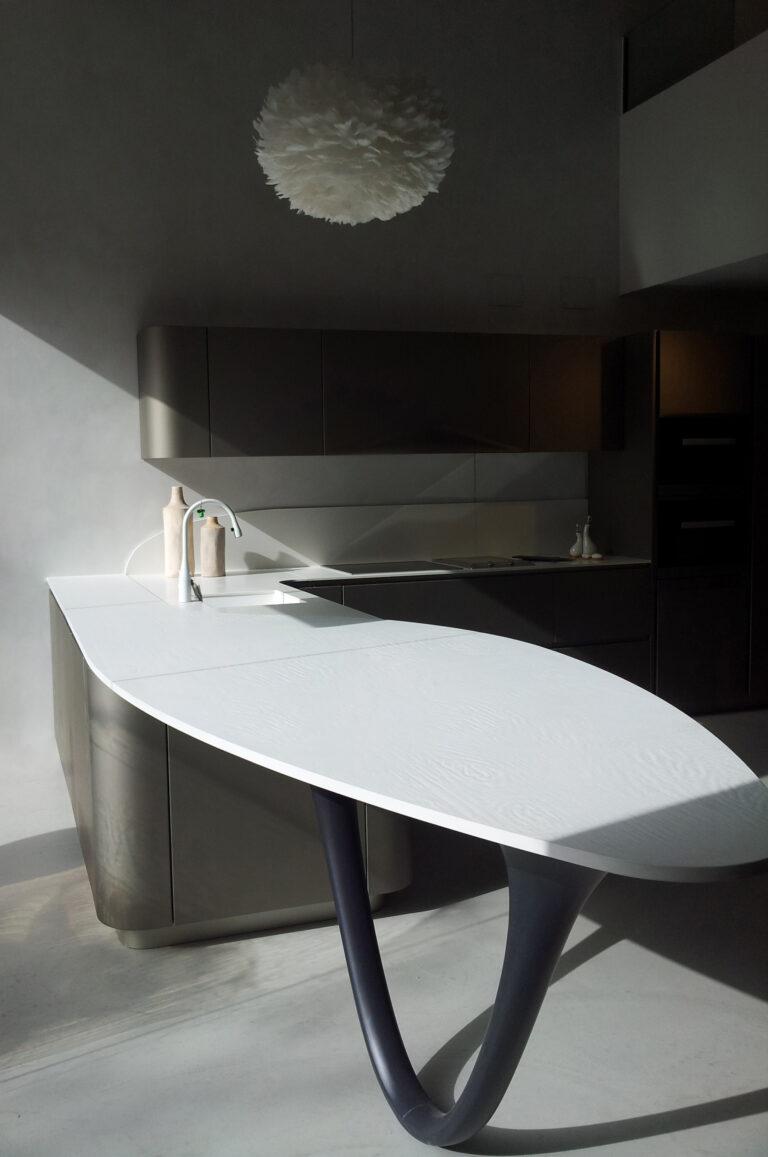 pininfarina design: dettaglio penisola cucina