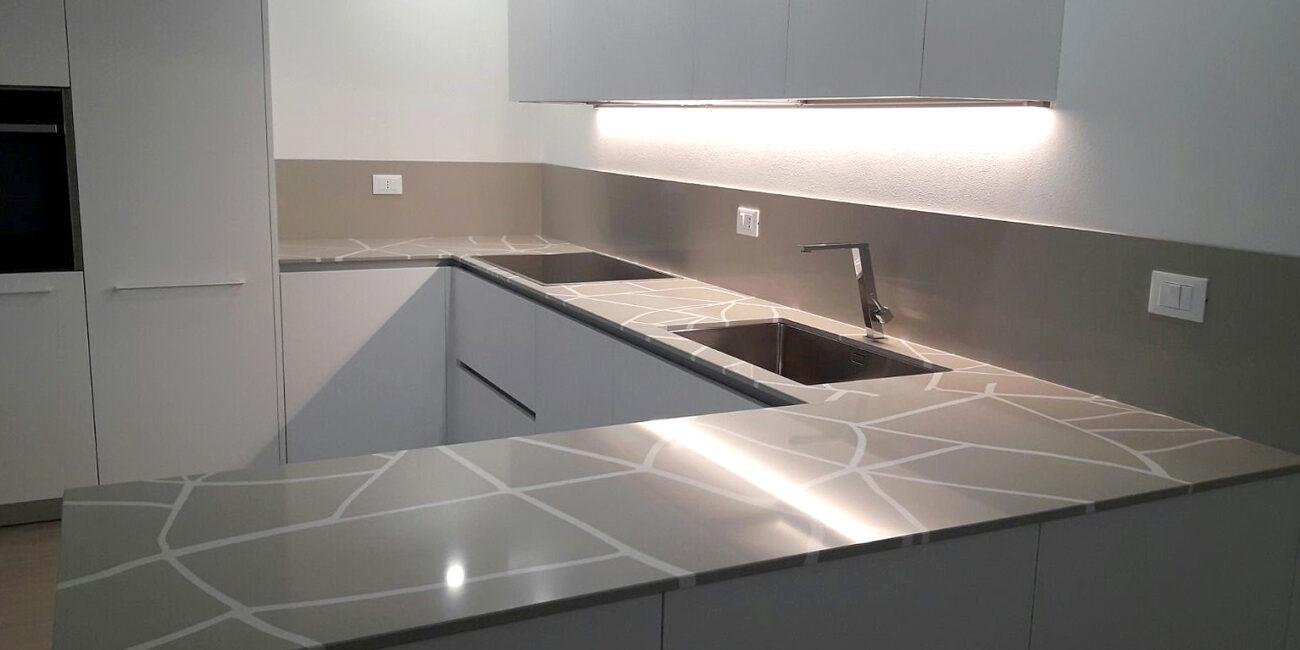 craken: cucina dettaglio rivestimento basic white