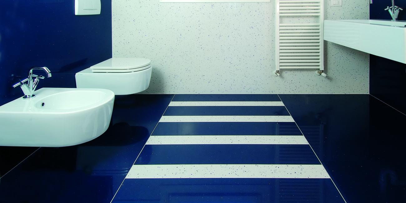 inserti: bagno blu bianco