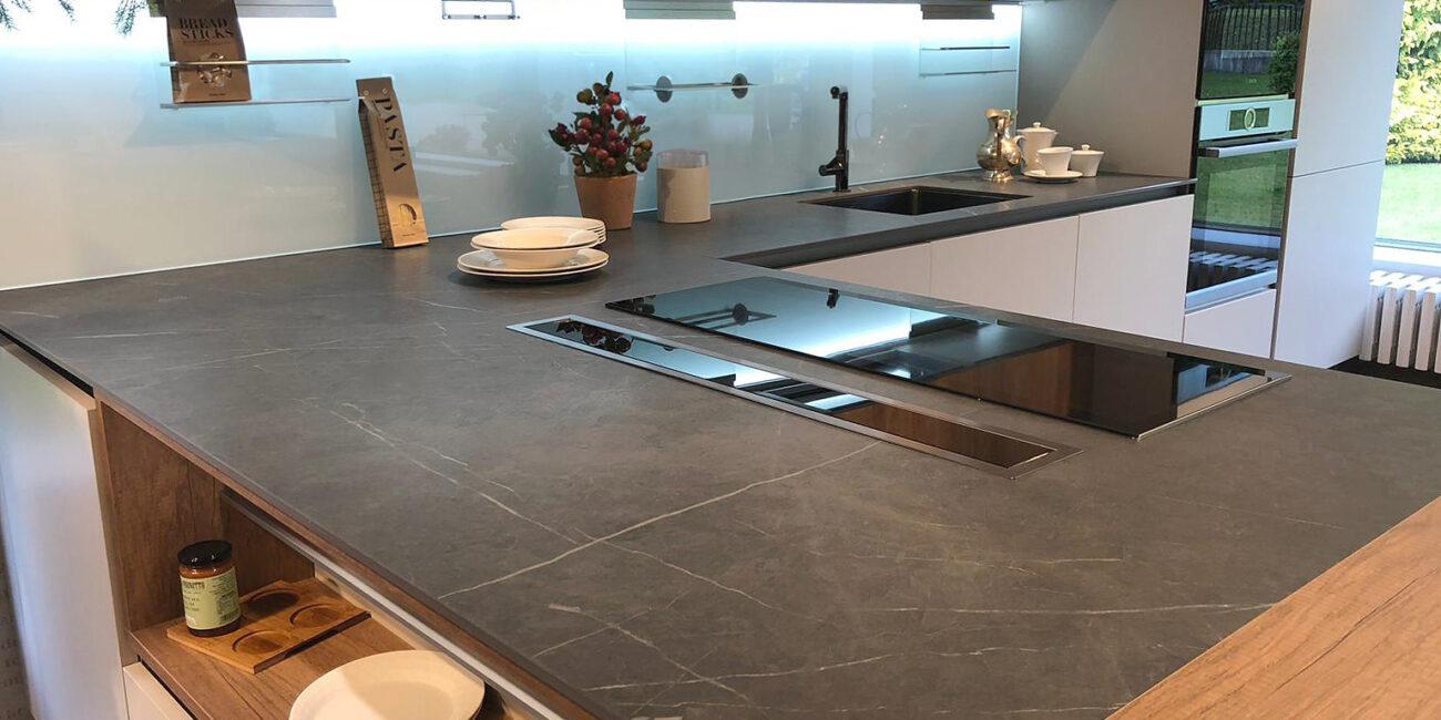 kerit: isola cucina in pietra scura