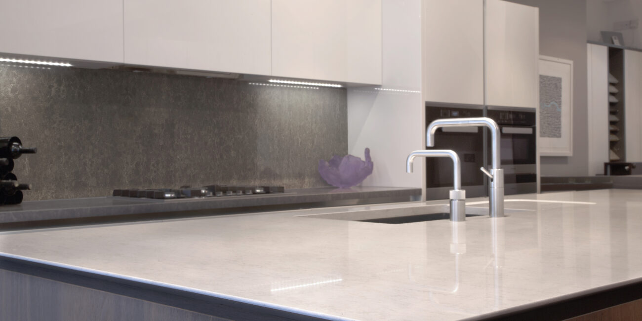 kstone: piano cucina gloss